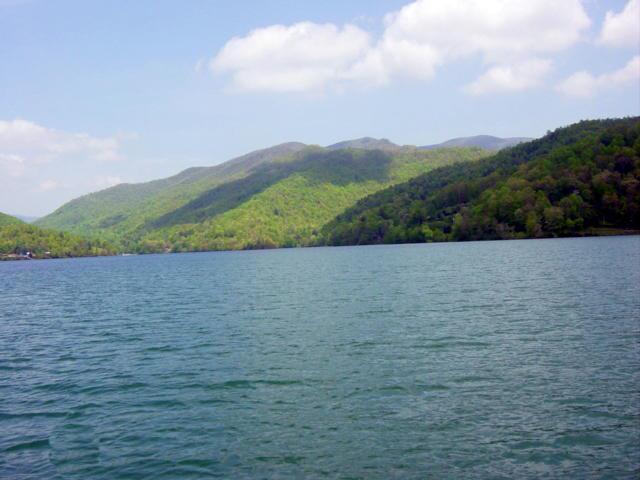 About us for Nantahala lake fishing